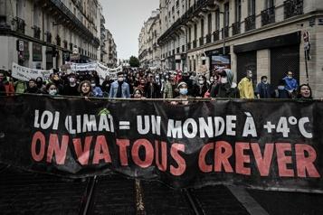 Climat Des dizaines de milliers de Français réclament une loi plus ambitieuse)