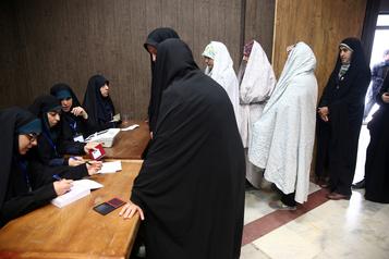 Iran: les conservateurs favoris à la clôture des élections législatives
