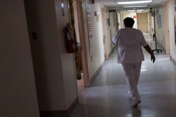 Québec doit lever les barrières à la pratique des infirmières praticiennes spécialisées)
