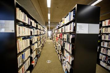 Le prêt sans contact permis dans les bibliothèques en zone rouge )