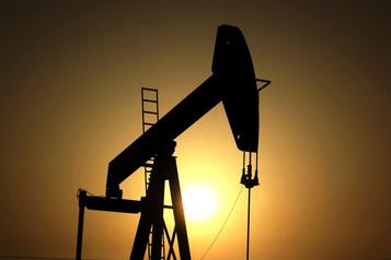 Le pétrole poursuit sa baisse sur fond d'apaisement entre États-Unis et Iran