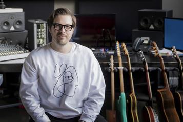 Un guitariste québécois dans les hautes sphères de la pop internationale)