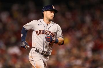 Le troisième but des Astros Alex Bregman est placé sur la liste des blessés)