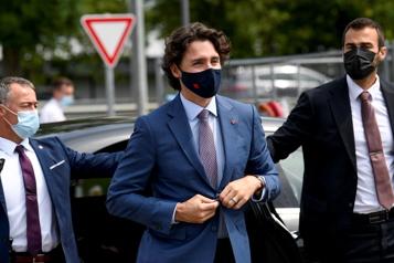 De retour du Sommet du G7 Trudeau autorisé à quitter l'hôtel où il était en quarantaine)