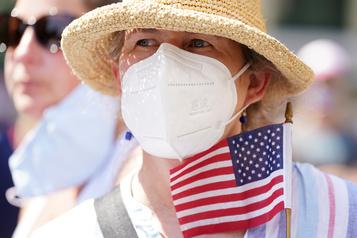 COVID-19: un peu plus de 1000 morts en 24 h aux États-Unis)