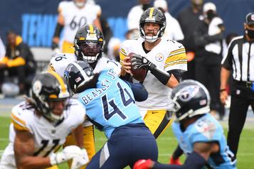 Les Steelers tiennent le coup face aux Titans et l'emportent 27-24)