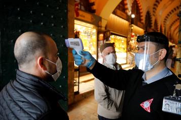 Le bilan de la pandémie dans le monde: plus de 373400morts)
