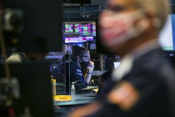 Wall Street en hausse après le bond du PIB américain)