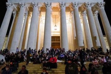 Trump veut une nomination «sans délai» d'un nouveau juge à la Cour suprême)