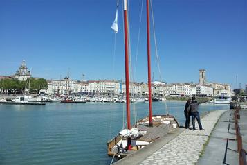 Les deux Charentes offrent 100euros aux touristes)