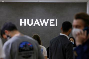 Après le Royaume-Uni, la Suède bannit à son tour Huawei de son réseau5G)