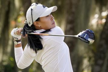 LPGA Danielle Kang prend un coup d'avance en tête au Tournoi des championnes)