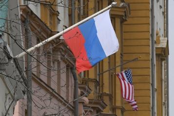 Russie Biden sanctionne la Russie mais appelle Poutine à la désescalade)