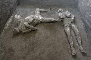 Italie Deux victimes de l'éruption de 79 découvertes à Pompéi)