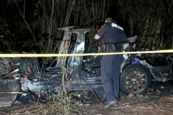 Conduite assistée Tesla défend Autopilot après un accident mortel au Texas)