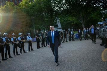 Trump dit s'être rendu dans le bunker de la Maison-Blanche pour «une inspection»)