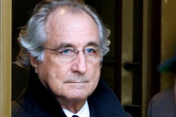 Fraude à la Ponzi Décès de Bernard Madoff en prison)