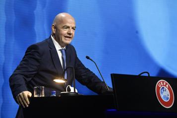Super Ligue La FIFA montre la porte aux dissidents)