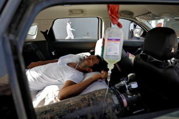 COVID-19 en Inde 315000 cas en 24h, pénurie d'oxygène et de lits dans les hôpitaux)
