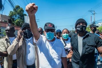 Les Haïtiens dans la rue contre l'insécurité et un retour de la «dictature»)