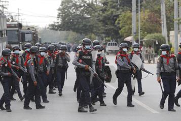 Birmanie La junte continue à faire la sourde oreille aux condamnations internationales )