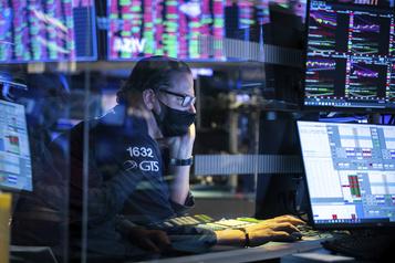 La Bourse encore très inquiétée par la COVID-19 )