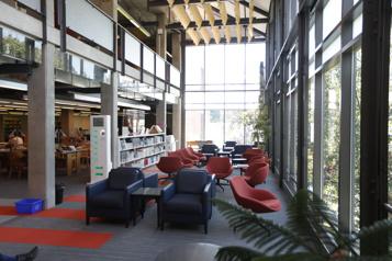 Bibliothèques montréalaises  Places assises et postes informatiques accessibles dès lundi )
