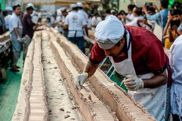 Le plus long gâteau du monde confectionné en Inde