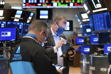 Wall Street Le NASDAQ enchaîne sur un nouveau record)