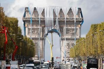 Les Parisiens et les touristes « redécouvrent » l'Arc de Triomphe