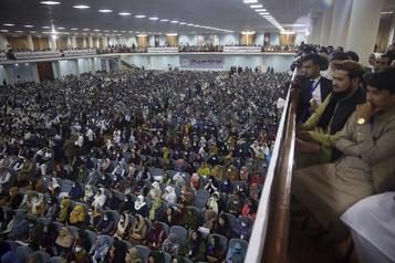Afghanistan : les pourparlers « sur le point » de débuter après un accord sur les prisonniers talibans)