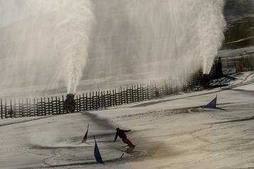 Les stations de ski du Chili forcées à utiliser des canons à neige