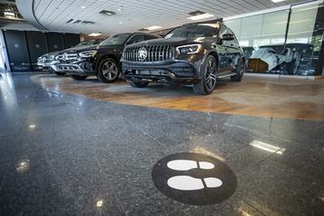 Les voitures dopent les ventes au détail de juillet)