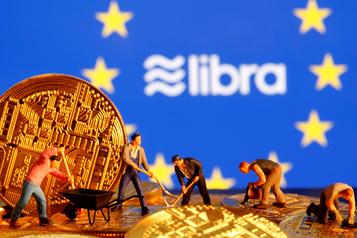Les banques centrales devront être prêtes pour la monnaie de Facebook)