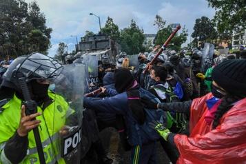 Colombie Des milliers de manifestants protestent de nouveau contre le président Duque)
