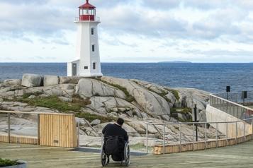 Une plateforme d'observation inaugurée à Peggy's Cove