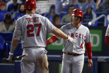 Les Blue Jays s'inclinent 7-5 contre les Angels)
