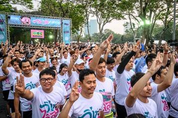 Des milliers de Thaïlandais courent «contre la dictature»