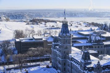 Déficit de 4,7milliards à Québec après huit mois)