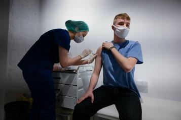 COVID-19 à Moscou Tenter de gagner une voiture en se faisant vacciner)