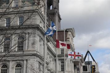 Montréal s'entend avec ses cols blancs)