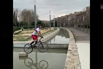 Incroyable mais vrai : vélo sur l'eau
