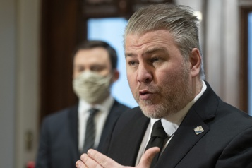 Caucus d'avant session parlementaire  Après la bulle atlantique, la bulle Est-du-Québec? )