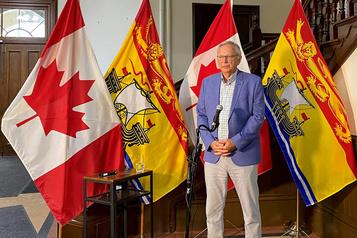 Le Nouveau-Brunswick accepte de laisser entrer certains Québécois)