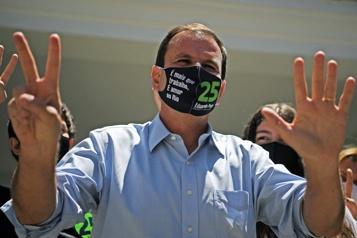 COVID-19 Une deuxième contamination pour le maire de Rio de Janeiro)