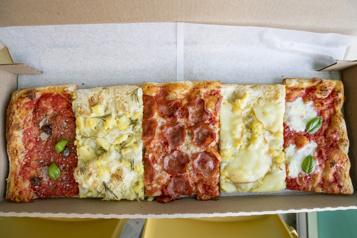 Pizza romaine sur le pouce dans Parc-Ex)