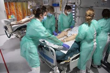 Ontario Le nombre de patients aux soins intensifs atteint un sommet)