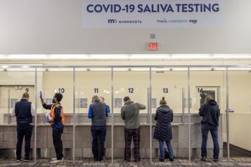 COVID-19 Faire mieux grâce aux tests rapides de dépistage)