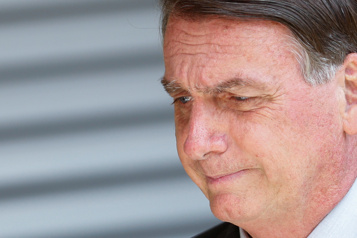 COVID-19 Bolsonaro exclut tout «confinement national» au Brésil)