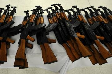 Un trafiquant d'armes à feu toujours dangereux sera libéré en novembre)